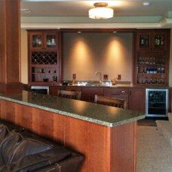 basement with wet bar
