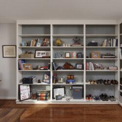 Built-in bookshelves and hardwood floors