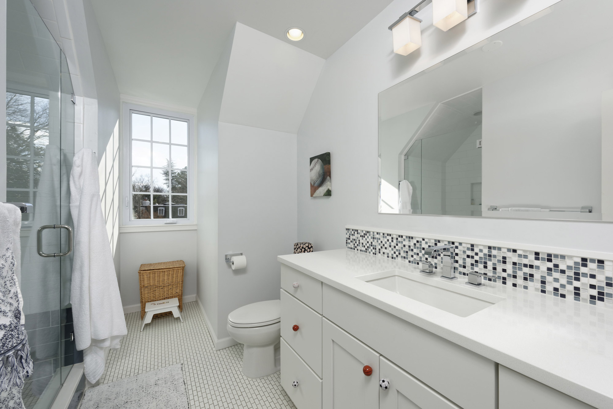 Beautiful Bathroom Remodels In An Alexandria Va Home