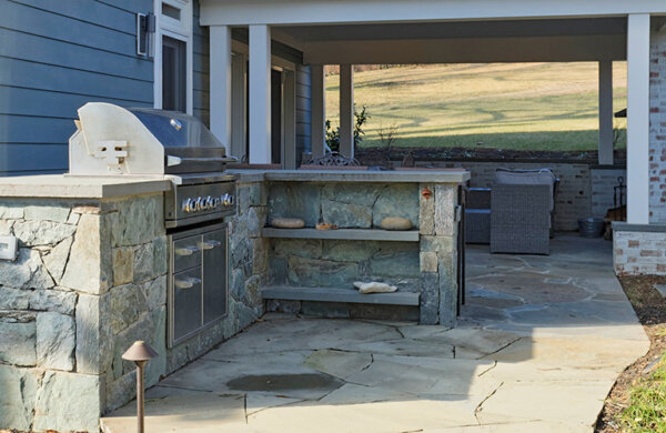 Outdoor kitchen by MBRG
