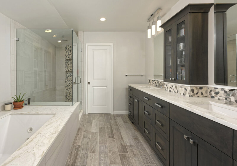 Custom master bath by Metro Building & Remodeling